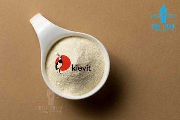Bột kem sữa Indo Kievit giúp bạn dễ dàng kết hợp với các nguyên liệu khác bởi khả năng hòa hợp tốt và dễ hòa tan của bột.